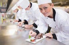 Todo lo que necesitas saber del uniforme del chef en una imagen - Featured Image