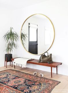 Vintage Home Decor mixing old and new, antiques with modern piece. How to decorate with Vintage and still look contemporary.