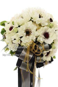 ウエディングブーケ専門ショップ・アフロディーテ(Wedding Bouquet Aphrodite)  白アネモネのクラッチブーケ
