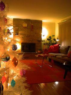 Mid Century Modern Christmas 2009 by Michael Pfleghaar, via Flickr