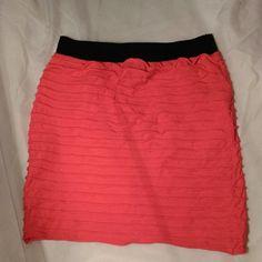 Forever 21 skirt Cute Forever 21 bodycon skirt, it's a salmon color! ???? Forever 21 Skirts Mini