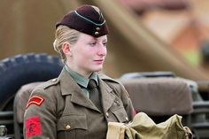 ATS #WomenFashionTrends2018 British Soldier, British Army, Army Women, Military Photos, Wwii, Female, Lady, Womens Fashion, Cthulhu