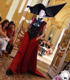 Polimoda Show 2015 || la percezione della realtà di Cecilia Sertori, fatta di schermi, ramificazioni di vene, cavi e pelli martoriate