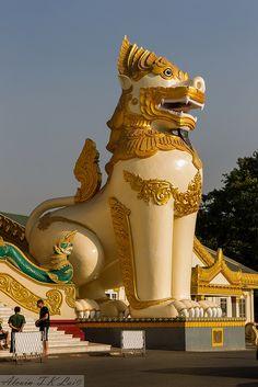 Shwedagon Pagoda . Yangon, Myanmar