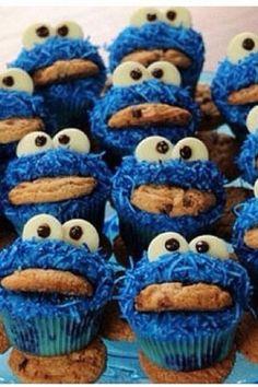 Cookie Monster cupcakes!!! Love it!!!!