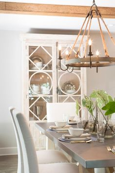 Joanna and Chip add a helping of Italian rustic to a bland suburban home in an impressive renovation for a California couple. Rustic Chandelier, Decor, Farmhouse Dining Room, Fixer Upper, Dining Room Chandelier, Rustic Dining Room, Dining Room Decor, Italian Home, Home Decor