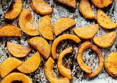 Essayez notre recette facile de courge caramélisée aux épices, cuite au four. Un accompagnement rapide et réconfortant!