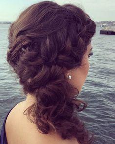 20 Best Side Swept frisyrer for indiske kvinner du ikke kan motstå - - - - Fishtail Braid Hairstyles, Side Swept Hairstyles, Loose Hairstyles, Elegant Hairstyles, Indian Hairstyles, Messy Plaits, Loose Braids, Short Curly Hair, Curly Hair Styles