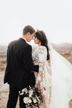 This Wolf Feather Honey Farm wedding proves that you don't need a theme or a strict color palette to throw an unforgettable and free-spirited celebration. Wedding Colors, Wedding Styles, Wedding Photos, Wedding Ideas, Wedding Decor, Wedding Locations California, California Wedding, Framing Photography, Wedding Photography Poses