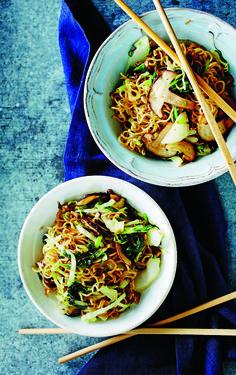 Yakisoba eli japanilaiset nuudelit ovat kokki ja ravintoloitsija Richard McCormickin lohturuokaa pitkän työviikon päätteeksi. Annos toimii myös...