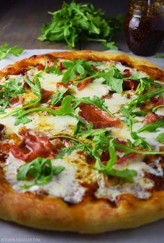 Prosciutto, Fig, and Arugula Pizza Recipe