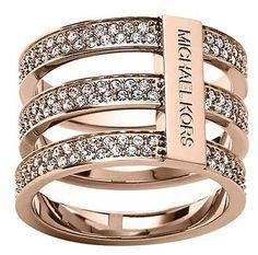 Drei Reifen für dreifaches Design! Dieser Ring von Michael Kors glänzt sicher nicht mit Zurückhaltung! www.christ,de