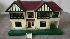 VINTAGE 1930 S TRI-ANG NO 62 DOLLS HOUSE & FURNITURE TRIANG LINES BROS