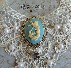 Collier camée sirène dentelle blanche : Collier par mimischka