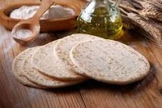 Piadina fatta in casa - Homemade Pizza Camembert Cheese, Pizza, Bread, Homemade, Food, Gastronomia, Home, Kitchens, Home Made