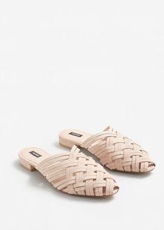 Chaussures en cuir ouvertes à l'arrière | MANGO