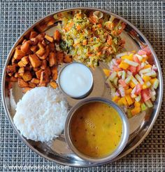 Indian Food Menu, Indian Foods, Indian Food Recipes, South Indian Sweets, South Indian Thali, Cooking Recipes Veg, Lunch Recipes, Veg Thali, Recipe Menu