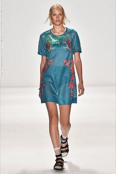 Vivienne Tam (Spring-Summer 2015) R-T-W collection at New York Fashion Week  #AlexandraTitarenko #AlexiaBellini #AlishaJudge #AnnaPiirainen #CharlotteNolting #EllaPetrushko #EllaVerberne #HuiJunZhang #JuanaBurga #LeafZhang #LeticiaOrchanheski #MargauxBrooke #MarianeFassarella #MeganIrminger #NewYork #TessaBennenbroek #ValeriaDmitrienko #VarshaThapa #VivienneTam #YiFeiLi #YueHan See full set - http://celebsvenue.com/vivienne-tam-spring-summer-2015-r-t-w-collection-at-new-york-fashion-week/