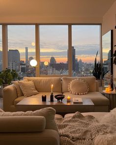 Apartment View, New York City Apartment, Dream Apartment, Apartment Living, City Apartment Decor, New York Apartments, Apartment Goals, Parisian Apartment, 3 Bedroom Apartment