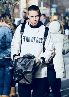 Liam Payne arriving at a studio in NYC today  (19/12)