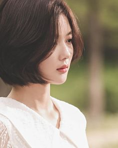 Kim Yoo Jung, Bts Photo, Asian Woman, Pearl Earrings, Actresses, Pretty, Mens Winter, Profile Pics, Drama