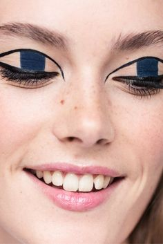 How To—playful eye makeup with felt tip eyeliner