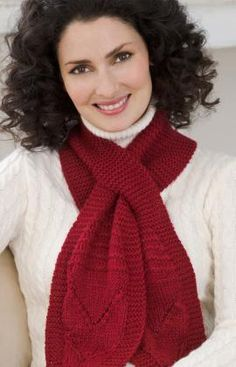 Keyhole Scarf,,,,,,Red Heart free pattern /beginner knitting/1 skein soft yarn