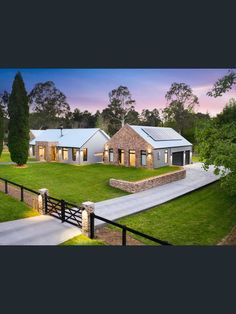 Farmhouse Architecture, Modern Architecture, Recycled Brick, Farm Gate, Custom Fireplace, Shed Homes, Entry Gates, Level Homes, Architect Design
