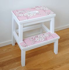 "This is a great way to ""step up"" the boring step stool.  It's inspired me to think how I can redo mine."