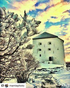Nydelig dag! #reiseblogger #reiseliv #reisetips  #Repost @marniephoto with @repostapp  Kristiansten Festning Trondheim#trdby #visittrondheim #visitnorway #opplevtrøndelag #reiseradet #mittnorge #norway #norway2day #norway_photolovers #world_great #adressa #hola_m #worldcalls #thinkcreateexplore #tv2 #nrktrøndelag #ig_myshot #ig_norway #pocket_norway #living_europe #photocatchers #amateurs_shot #DreamyNorway