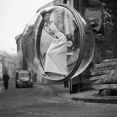 #Sixties   Melvin Sokolsky's bubble fashion shoot for Harper's Bazaar, Paris, 1963