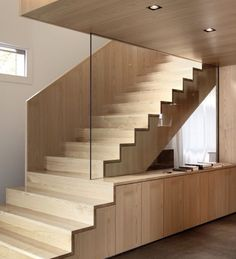 stair extend to desk