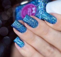 Color description: denim blue finish: jelly with full coverage super holo m Blue Glitter Nails, Sparkle Nails, Glitter Nail Polish, Gel Nails, Matte Nails, Acrylic Nails, Winter Nail Art, Winter Nails, Nail Art Designs