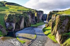 Fjadrargljufur Canyon - South Iceland. Click to Watch: http://destinations-for-travelers.blogspot.com.br/2015/01/fjadrargljufur-canyon.html