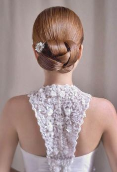 Stunning wedding hair style. The lace back is great too!