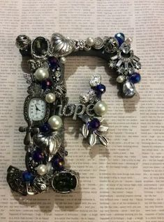 Gifts For Her Girlfriends Letters 60 Ideas Vintage Jewelry Crafts, Recycled Jewelry, Handmade Jewelry, Custom Jewelry, Jewelry Art, Beaded Jewelry, Jewellery, Letter A Crafts, Button Crafts