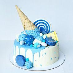 Cake Milk Chocolate and Caramel: Tender - Not . Birthday Cake Decorating, Cake Decorating Tips, Pretty Cakes, Cute Cakes, Cake Cookies, Cupcake Cakes, Blue Drip Cake, Blue Birthday Cakes, Ocean Cakes