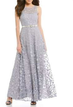 Karl Lagerfeld Paris 3d Floral Short Sleeve A Line Gown