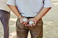 On joue au boules en Provence.