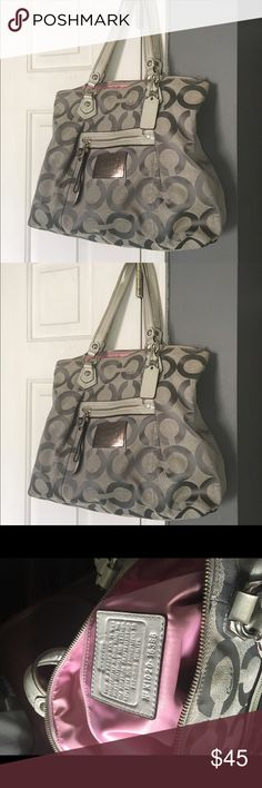 Large used coach handbag Gently used large coach handbag.... In great condition ... Straps slightly worn. Coach Bags Shoulder Bags