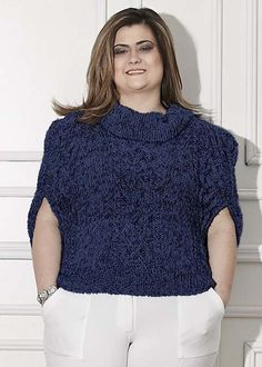Plus Size Patterns, Hobbies And Crafts, Plus Size Women, Free Pattern, Ideias Fashion, Turtle Neck, Knitting, Lady, Coat