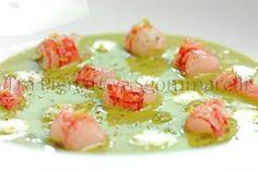 Tra Pignatte e Sgommarelli Carpaccio, Seafood Dishes, Antipasto, Pane, I Love Food, Fish Recipes, Finger Foods, Terra, Sushi