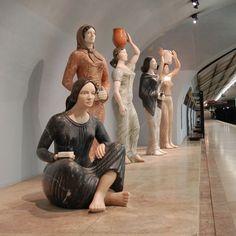 Arte no Metro - Lisboa  by portuguese sculptor Francisco Simões