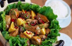 Chicken Recipes - A recipe for oyster sauce chicken, a cantonese stir-fry dish.
