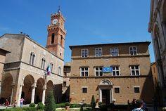 Pienza, Tuscany (via #spinpicks)
