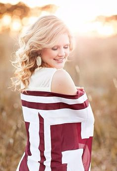 Texas A&M senior | natural light senior photography | senior portraits and pictures | College Station texas
