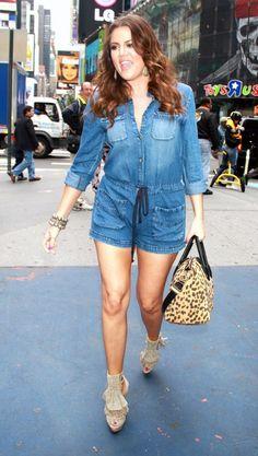 khloe-kardashian-givenchy-antigona-leopard-bag.jpg 452 × 800 pixels