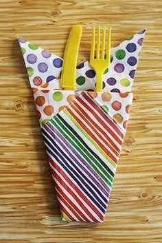 Bestecktasche aus Servietten für Kindergeburtstage.