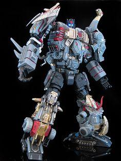 "Michael Accardi (frenzy_rumble)   ""Extinction"", custom Dinobots combiner.   #transformers #dinobots #customization"