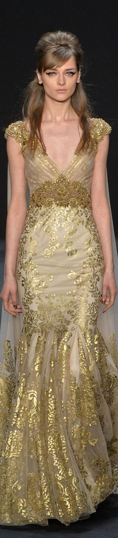 Badgley Mischka Fall 2015 Ready-to-Wear Fashion Show Gold Fashion, Fashion Week, Fashion Show, Fashion Design, Women's Fashion, Royal Fashion, Fashion Dresses, Style Couture, Couture Fashion